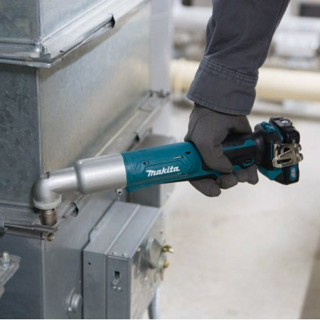 Makita Cordless Angle Impact Wrench TL065D 2