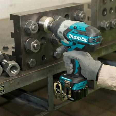 Makita Cordless Impact Wrench DTW1001 2