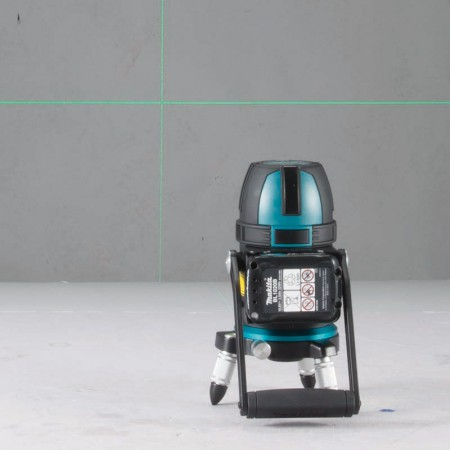 Makita Rechargeable Green Multi Line Laser SK312GD 2